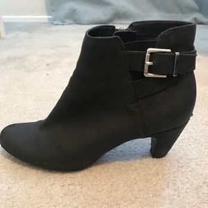 Sam & Libby Ankle Booties Size 9.5